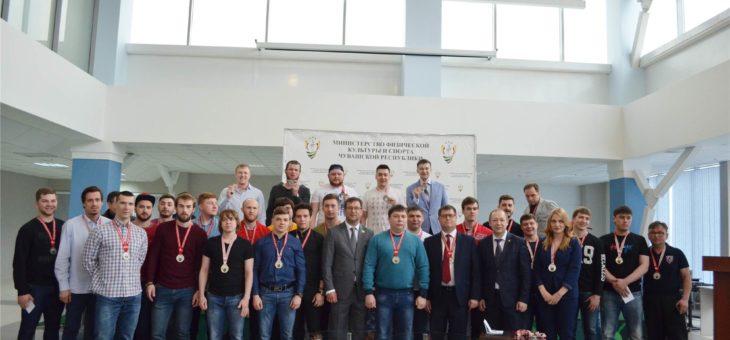Хоккейная команда «Чебоксары» получила заслуженные серебряные медали