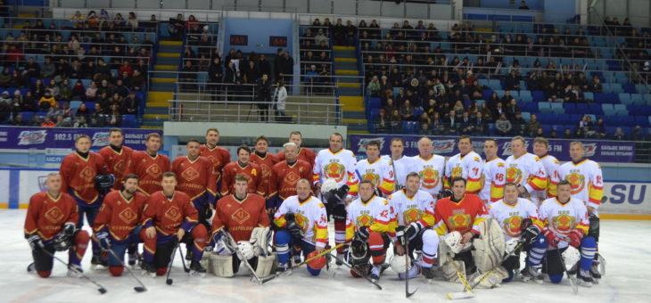Состоялся товарищеский хоккейный матч между командами Правительства Чувашии и Центросоюза России