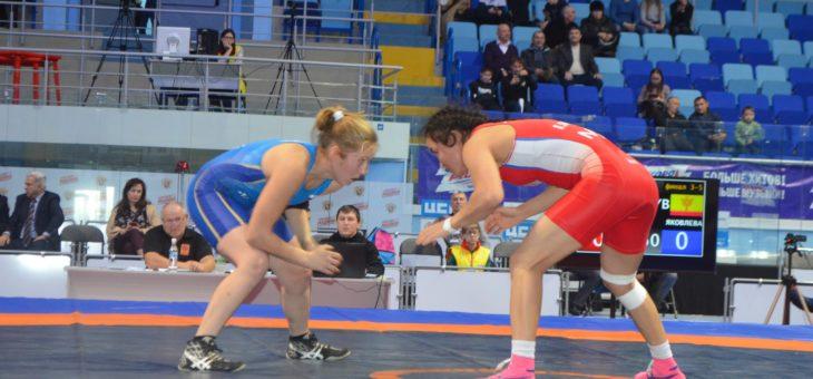 Старт дан: в Чувашии проходит Кубок России по женской вольной борьбе на призы М.В. Игнатьева